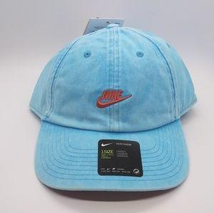 Nike Heritage 86 Futura Strapback Washed Hat